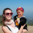 Полинка с ряженым тайским ребенком